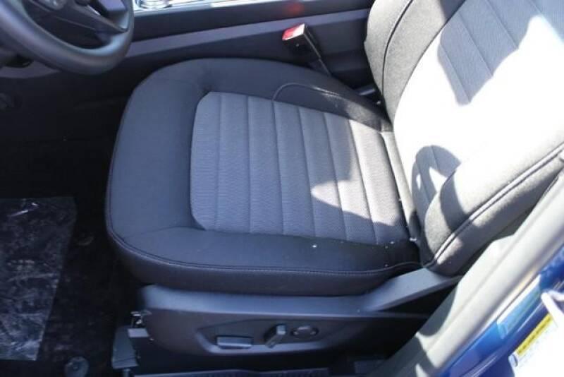 2020 Ford Edge SE (image 19)