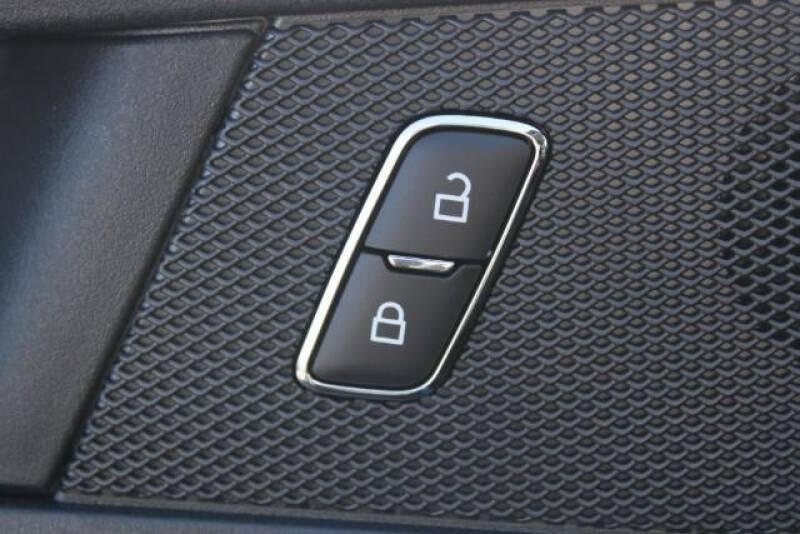 2020 Ford Edge SE (image 17)