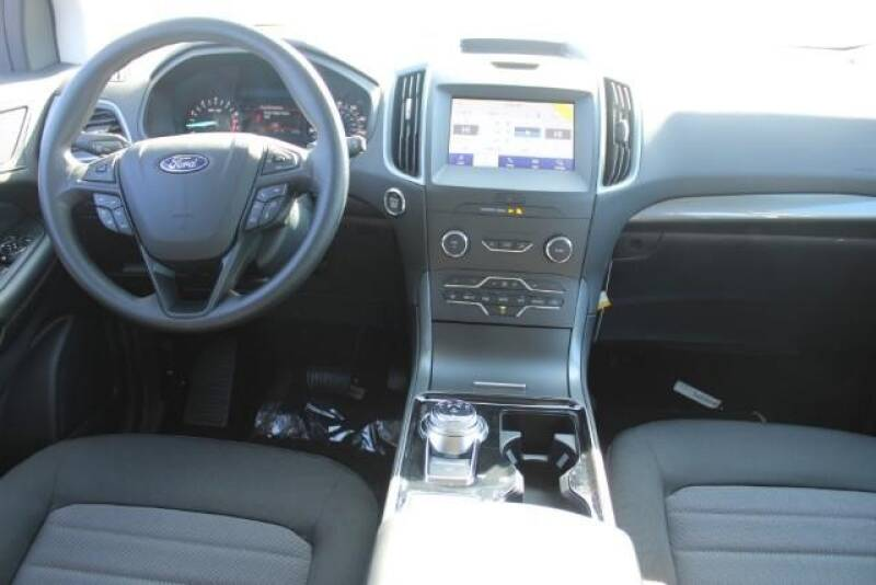 2020 Ford Edge SE (image 12)