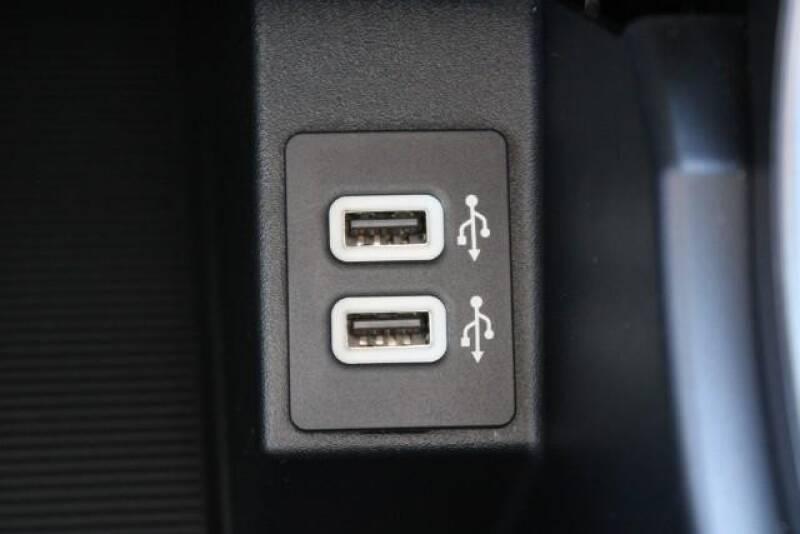 2020 Ford Edge SE (image 29)
