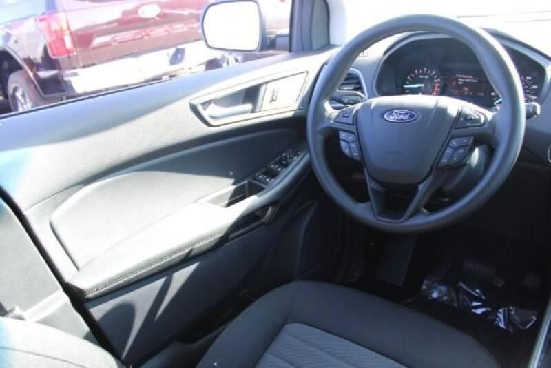 2020 Ford Edge SE (image 13)