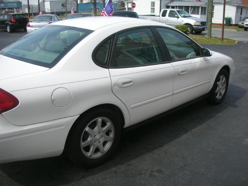 2006 Ford Taurus SEL 4dr Sedan - Suffolk VA