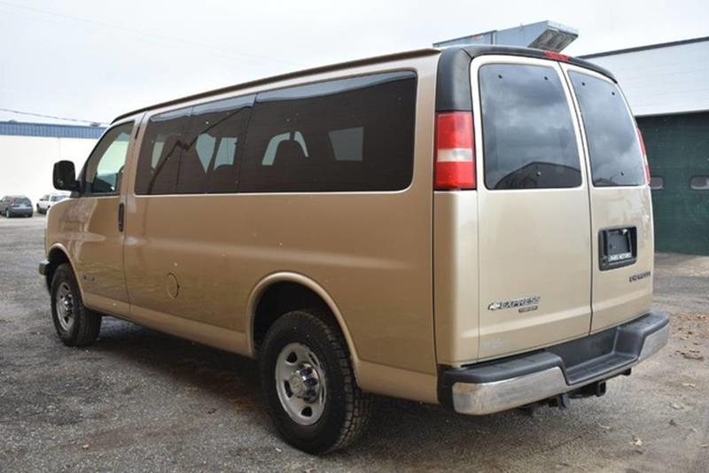 0b331a72c4 ... 2006 Chevrolet Express Passenger LS 3500 3dr Passenger Van In Grand