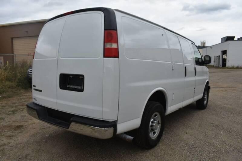 2011 Chevrolet Express Cargo 2500 3dr Cargo Van w/ 1WT - Grand Rapids MI