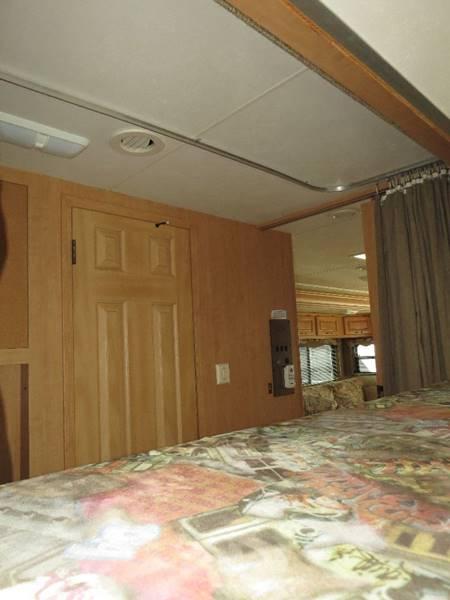 2006 Damon Daybreak, BunkHouse Class A  - Springville NY