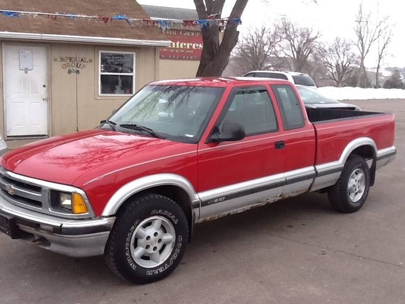 1996 Chevrolet S-10 2dr LS 4WD Extended Cab SB - Sioux Falls SD