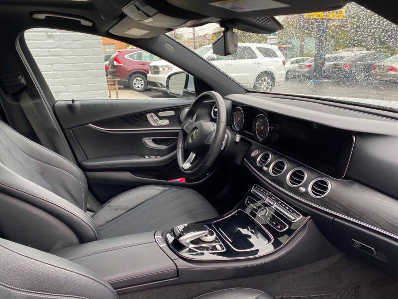 2017 Mercedes-Benz E-Class AWD E 300 4MATIC 4dr Sedan - Cincinnati OH
