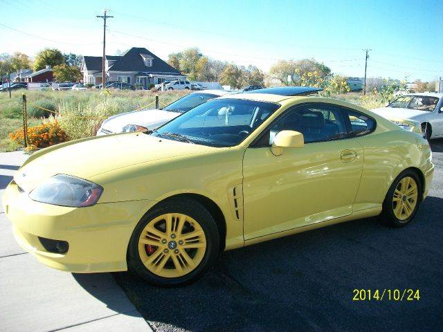 2005 Hyundai Tiburon for sale at Gold Star Auto Sales in Murry UT