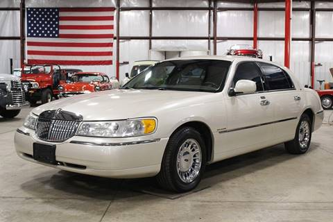 lincoln town car for sale in grand rapids mi. Black Bedroom Furniture Sets. Home Design Ideas