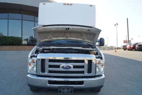 2014 Ford E-Series Chassis