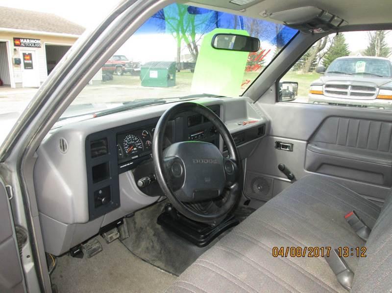 1996 Dodge Dakota 2dr SLT 4WD Standard Cab LB - Hutchinson MN