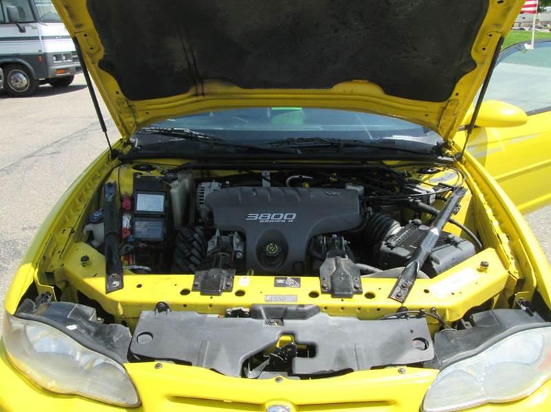 2002 Chevrolet Monte Carlo SS 2dr Coupe - Hutchinson MN