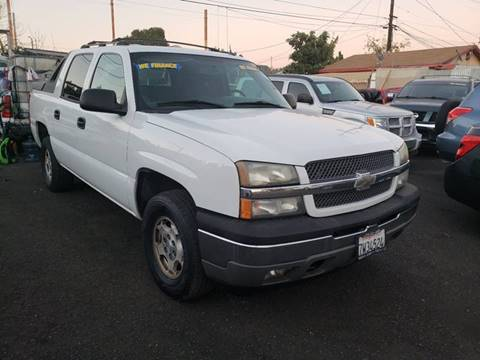 2005 Chevrolet Avalanche for sale in Los Angeles, CA