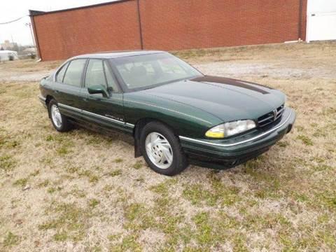 1992 Pontiac Bonneville for sale at Bob Patterson Auto Sales in East Alton IL