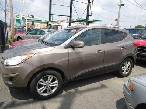 2011 Hyundai Tucson for sale at Debo Bros Auto Sales in Philadelphia PA