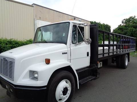 2001 Freightliner FL 70 for sale in Hartford, CT