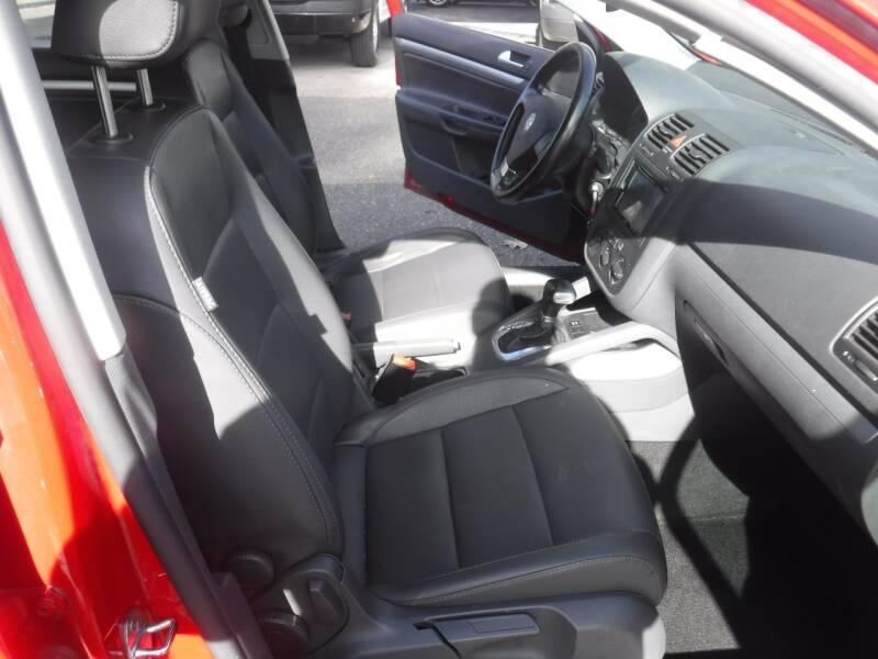 2008 Volkswagen Jetta SE 4dr Sedan 6A - Milwaukie OR