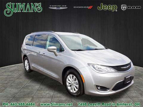 2017 Chrysler Pacifica for sale in Amherst, OH