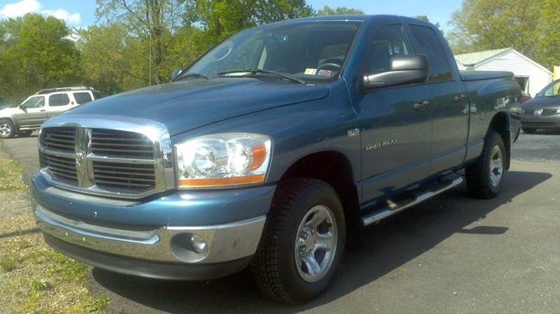 2006 Dodge Ram Pickup 1500 for sale at Hern Motors - 2021 BROOKFIELD RD Lot in Hubbard OH