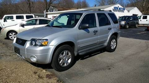 2007 Ford Escape for sale at Hern Motors - 2021 BROOKFIELD RD Lot in Hubbard OH