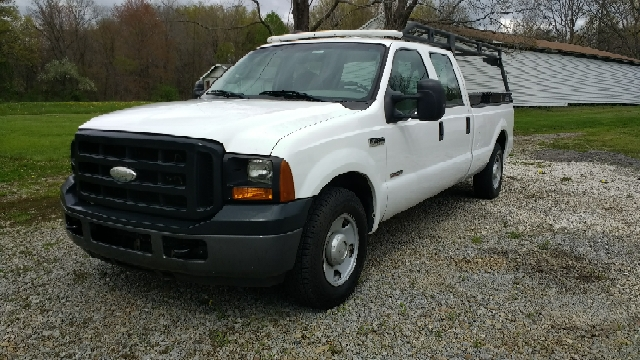 2006 Ford F-250 Super Duty for sale at Hern Motors - 2021 BROOKFIELD RD Lot in Hubbard OH