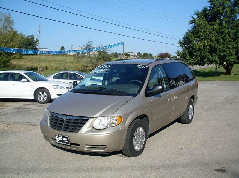 2006 Chrysler Town and Country LX 4dr Extended Mini-Van - Beaver Dam KY