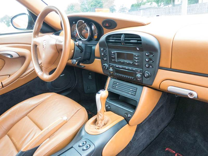 2004 Porsche 911 Carrera 2dr Coupe - Dubuque IA
