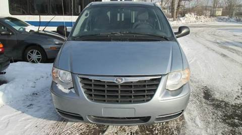 2005 Chrysler Town and Country for sale at Salama Cars / Blue Tech Motors in South Saint Paul MN