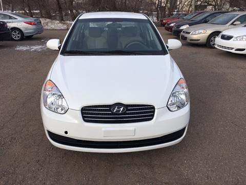 2009 Hyundai Accent for sale at Salama Cars / Blue Tech Motors in South Saint Paul MN