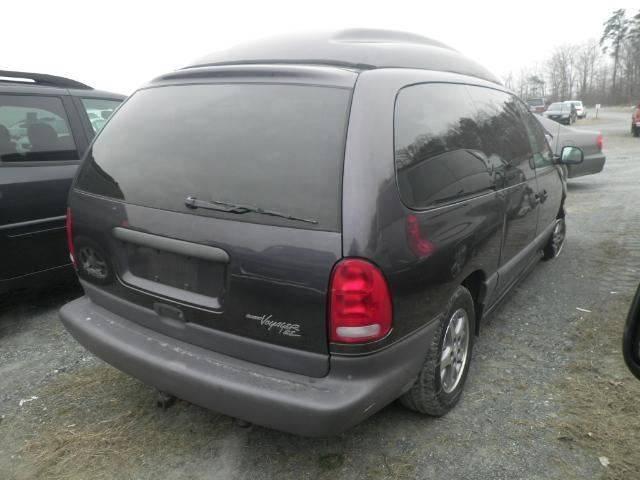 1996 Plymouth Grand Voyager 3dr SE Extended Mini-Van - Fredericksburg VA