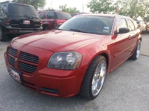 2005 Dodge Magnum for sale at Ody's Autos in Houston TX