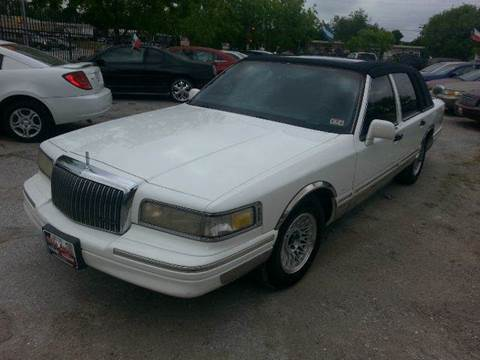 1995 Lincoln Town Car for sale at Ody's Autos in Houston TX