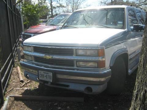 1998 Chevrolet Suburban for sale in Houston, TX
