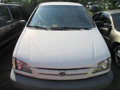1999 Toyota Sienna for sale in Fredericksburg, VA
