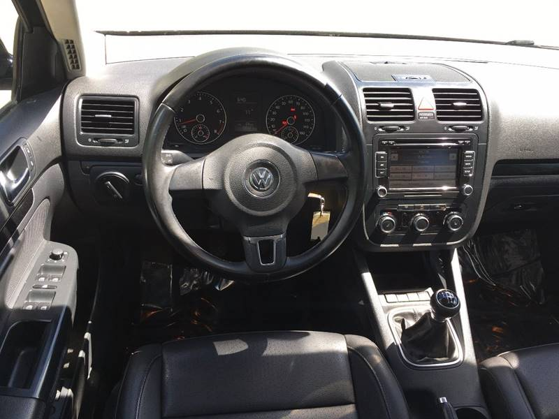 2010 Volkswagen Jetta SE PZEV 4dr Sedan 5M - Griswold CT