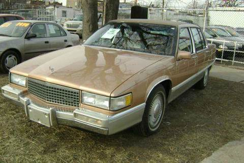 1990 Cadillac Fleetwood for sale at WEST END AUTO INC in Chicago IL