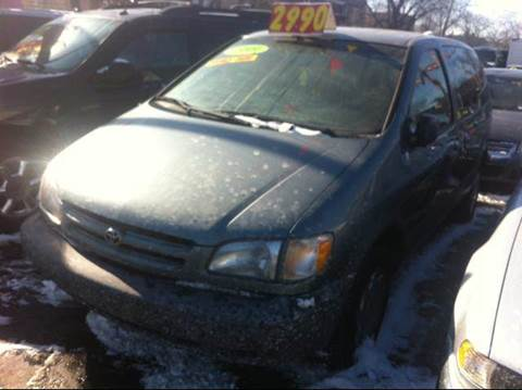 1999 Toyota Sienna for sale at WEST END AUTO INC in Chicago IL