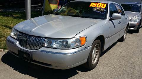 1999 Lincoln Town Car for sale at WEST END AUTO INC in Chicago IL