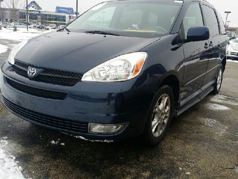 2005 Toyota Sienna for sale at WEST END AUTO INC in Chicago IL
