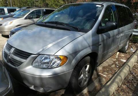 2006 Dodge Grand Caravan for sale at WEST END AUTO INC in Chicago IL