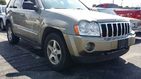 2005 Jeep Grand Cherokee for sale at WEST END AUTO INC in Chicago IL