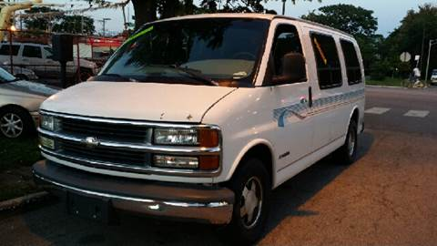 1998 Chevrolet G1500 for sale at WEST END AUTO INC in Chicago IL