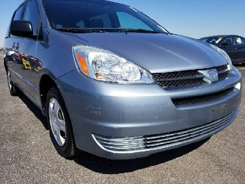 2004 Toyota Sienna for sale at WEST END AUTO INC in Chicago IL