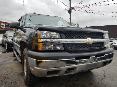 2004 Chevrolet Avalanche for sale at WEST END AUTO INC in Chicago IL