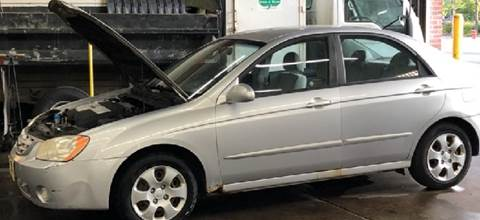 2004 Kia Spectra for sale at WEST END AUTO INC in Chicago IL