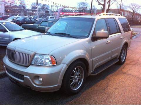 2004 Lincoln Navigator for sale at WEST END AUTO INC in Chicago IL