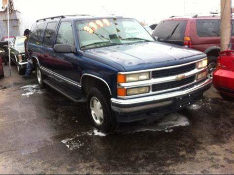 1998 Chevrolet Suburban for sale at WEST END AUTO INC in Chicago IL