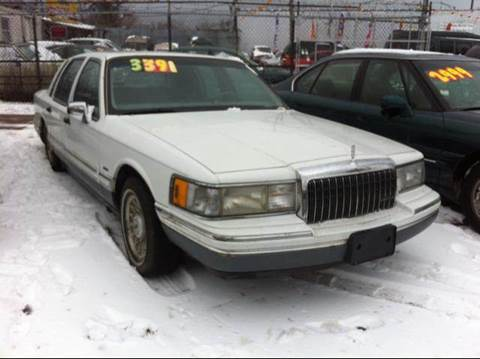 1993 Lincoln Town Car for sale at WEST END AUTO INC in Chicago IL