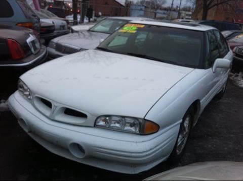 1998 Pontiac Bonneville for sale at WEST END AUTO INC in Chicago IL