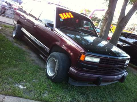 1992 Chevrolet Suburban for sale at WEST END AUTO INC in Chicago IL